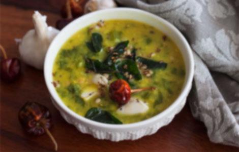 Andhra Style Palakura Pappu Recipe (Spinach Dal Recipe)
